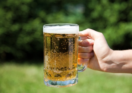 wallop: Pouring beer