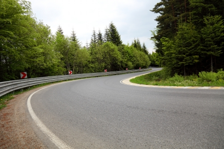 sharp curve: Sharp curve of road