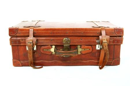 Geïsoleerde oude koffer op een witte achtergrond Stockfoto