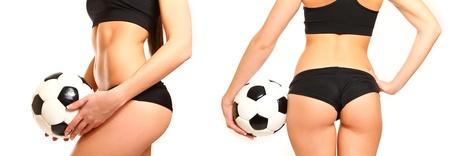 Vrouw met een voetbal, zijaanzicht en achterzijde geïsoleerd op wit