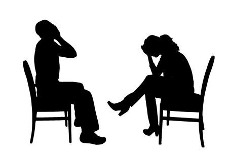 fille triste: Vector silhouettes de gens assis sur une chaise. Illustration