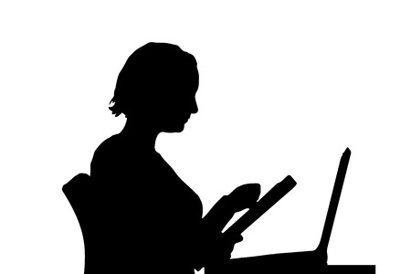 Vector silhouette of a woman who is sitting at the computer. Vettoriali