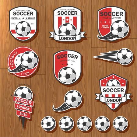 ilustración vectorial conjunto de logos en tema de fútbol, ??así como artículos para el juego del fútbol. Puede ser utilizado como un emblema, logotipo y la plantilla de torneos de fútbol.