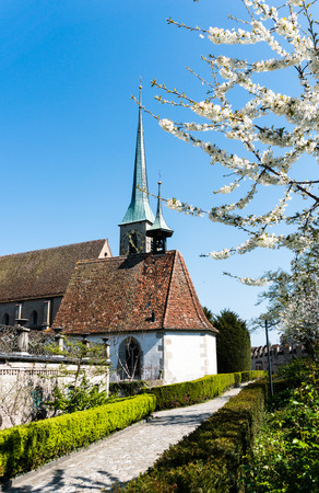view of the Saint Oswald church and surroundings in the city of Zug on a beautiful spring day 版權商用圖片