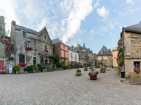 Rochefort-en-Terre, Morbihan / France - 24 August, 2019: center of the historic old town of Rochefort-en-Terre in Brittany 報道画像