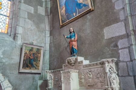 Rennes, Ile-et-Vilaine / France - 26 August 2019: view of the statue of Saint Joseph in the Church of Saint Germain in Rennes 報道画像