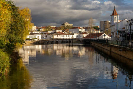 Tomar, Portugal: 8 December 2020: view of the historic city of  Tomar in central Portugal 新闻类图片