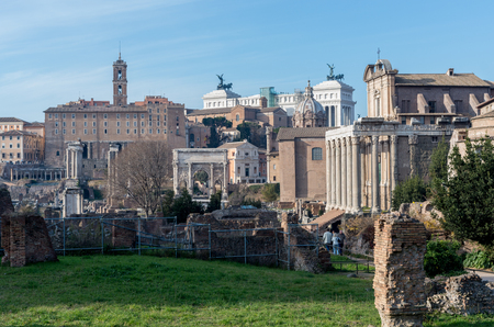 templo romano: Ruins on the Palatine hill, historical part in Rome, Italy Foto de archivo