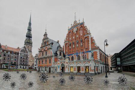House of the Blackheads (Riga, Latvia Capital) and coronavirus Stockfoto