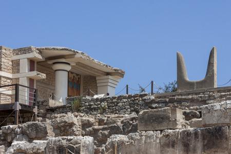 minoan: Bulls horns statue at Knossos Minoan Palace