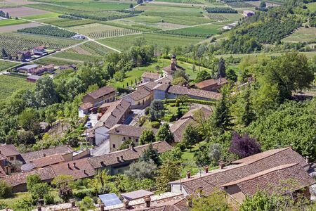 A view from above of the Langhe, seen by Guarene, Piedmont. Banco de Imagens - 127936565