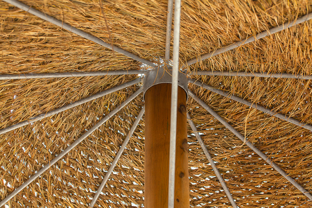 Gegoten dak van parasol close-up.