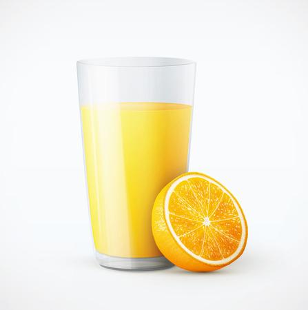 Vaso de zumo de naranja con la fruta