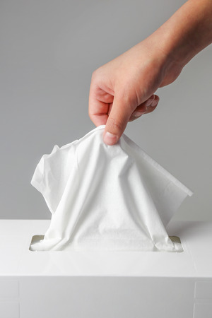 grab: Hand to grab the tissue