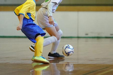 kids playing futsal 스톡 콘텐츠 - 96174428
