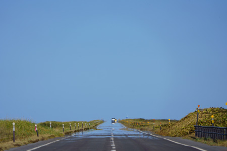 mirage on the road Imagens