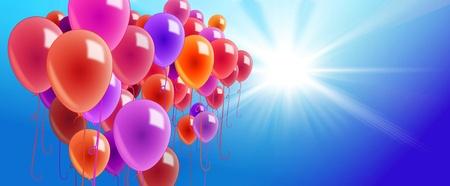 ballons colorés sur un bleu ciel ensoleillé