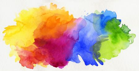 heldere regenboog gekleurde aquarel verf geïsoleerd op wit papier