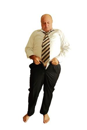 pancia grassa: uomo grasso non possono indossare i pantaloni