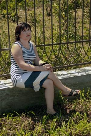 mujer pensativa: mujer pensativa Foto de archivo