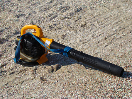 replaces: gasoline blower gasoline,replaces a broom for cleaning debris