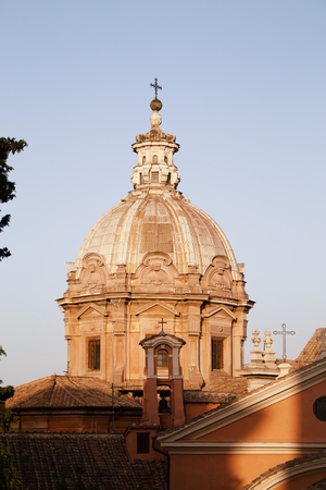 The dome of the church of Santi Luca e Martina in the evening in Rome, Italy Banque d'images