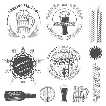 Beer emblems labels and design elements.  Vector illustration. Vettoriali