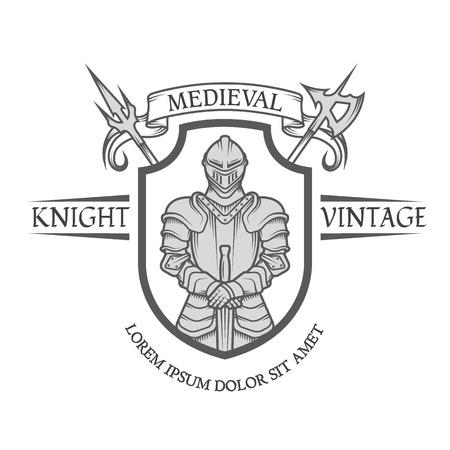 Ridder strijder in pantser met een zwaard. Heraldisch embleem in de middeleeuwse stijl.