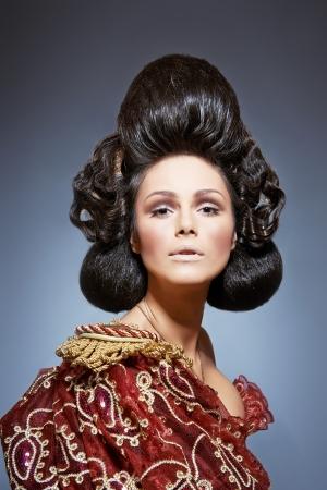 """arrogancia: Retrato de la mujer a imagen de """"Reina de espadas"""" Foto de archivo"""