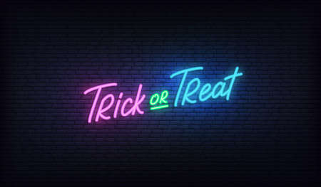 Trick or Treat lettering neon sign. Halloween holiday vector design. 스톡 콘텐츠 - 154238262