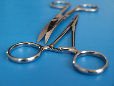 forceps: Surgical instruments: scissors and forceps