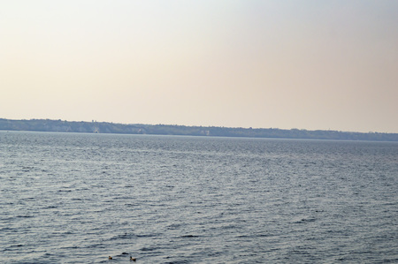 Water horizon on the river - the river Dnieper Ukraine 版權商用圖片