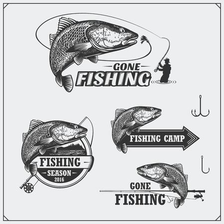 Set of retro fishing labels, badges, emblems and design elements. Vintage style design. Ilustração
