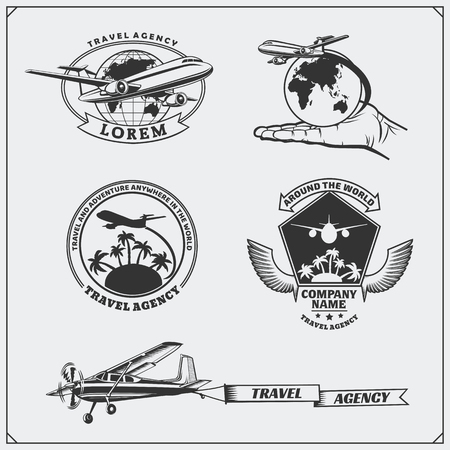 Airplane travel labels, emblems, badges and design elements. Vintage style. Ilustração