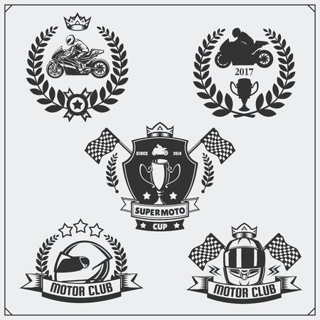 Set of racing motorcycle emblems, badges, labels and design elements. Monochrome style. Imagens - 140395257