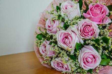Rose fond rose bouquet fermé Banque d'images - 93656490