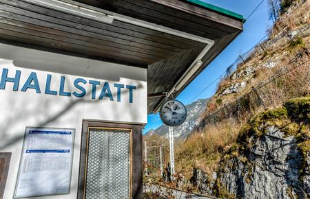 Gare de Hallstatt. Allez à Hallstatt en train et arrêtez-vous à la gare de Hallstatt Banque d'images - 92690899