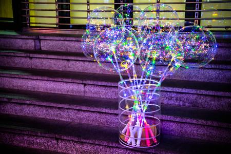 LED Balloons in Korea street market Фото со стока