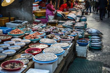 Fresh Seafood Outdoor market in Busan, South Korea Фото со стока