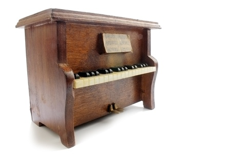upright piano: Upright piano isolated
