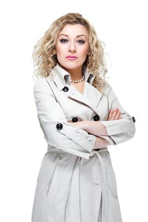 arrogancia: Atractiva mujer de pelo rubio sobre fondo blanco