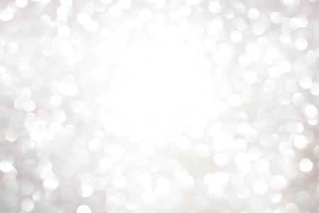 Silber weiß glitzernden Weihnachtsbeleuchtung. Verschwommene abstrakten Hintergrund Standard-Bild - 48804384