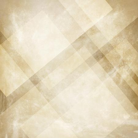 Grunge fond beige avec la conception abstraite, vieux vintage beige et la conception d'arrière-plan, des couleurs neutres, formes triangulaires avec des lignes obliques en couches de motifs abstraits Banque d'images