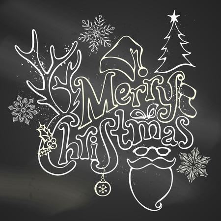 houx: Craie D�coration de No�l Merry. Boule de No�l, texte �crit � la main, baie de houx, sapin, bois d'un cerf, arc, de Santa chaussette, Santa hat Santa barbe et des lunettes. Chalk objets expos�s sur fond tableau noir.
