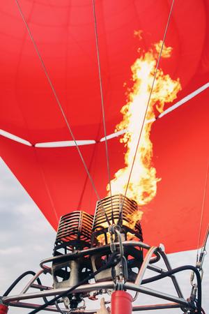 操作で、熱気球バーナー