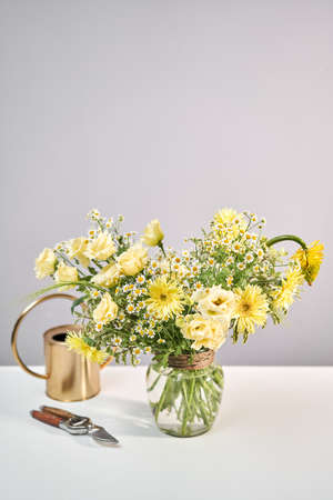 Bouquet 010, Finished flower arrangement in a vase for home. Flowers bunch, set for home. Fresh cut flowers for decoration home. European floral shop. Delivery fresh cut flower. Imagens