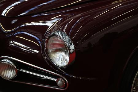 Voiture. Détails. / Partie d'une voiture ancienne close up Banque d'images - 76322273