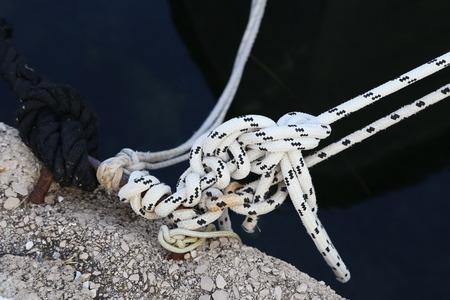 Rope  Rope knot close-up shot Standard-Bild - 110632554