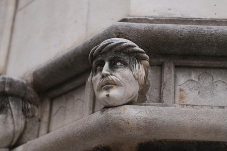 Sibenik Kathedrale, Berühmte Gesichter auf der Seite Protal der Kathedrale von Sibenik Standard-Bild