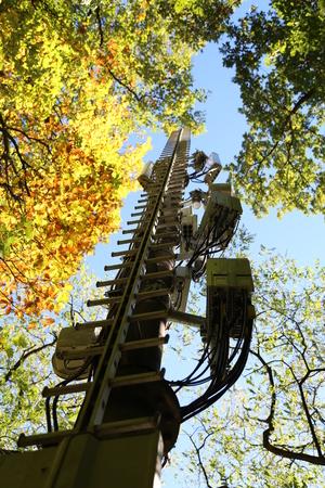 Radio mast / Communication towers Standard-Bild - 111689813